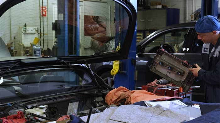 Acura of Bedford Hills service mechanic