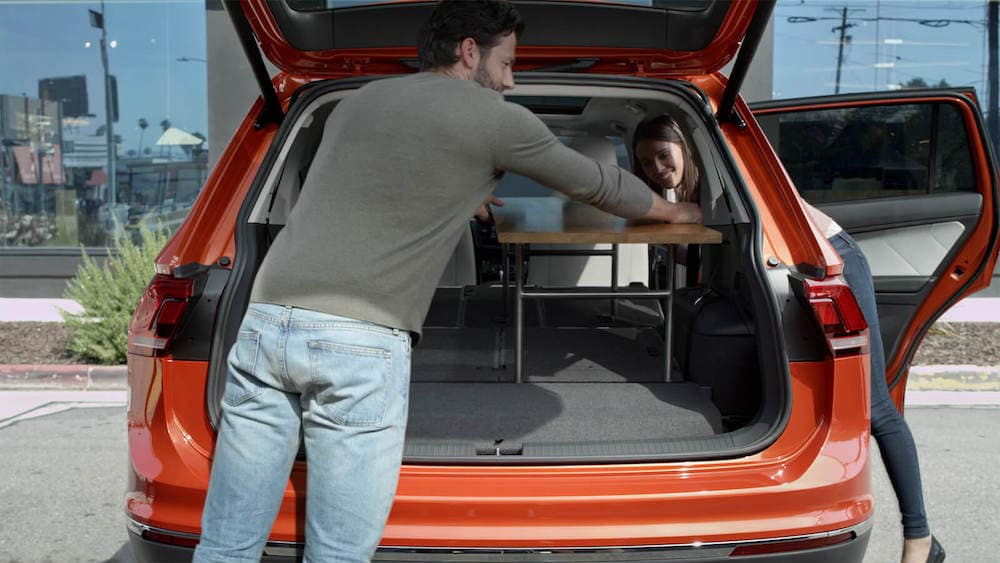 2019 Volkswagen Tiguan rear hatch open