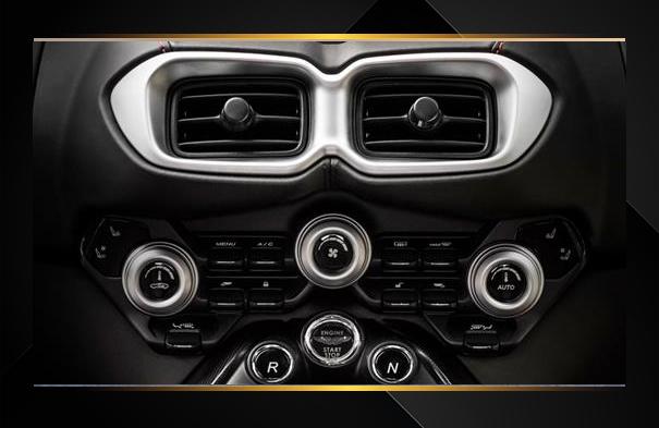 2019 Aston Martin Vantage vs 2018 Porsche 911 Carrera S Specifications Chicago IL