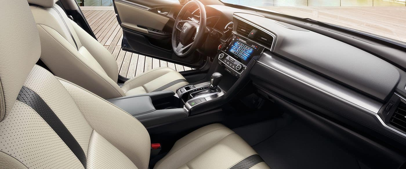 2018 Honda Civic Interior Front Seating and Dashboard Features
