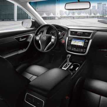 2018 Nissan Altima Interior Front and Dashboard Features