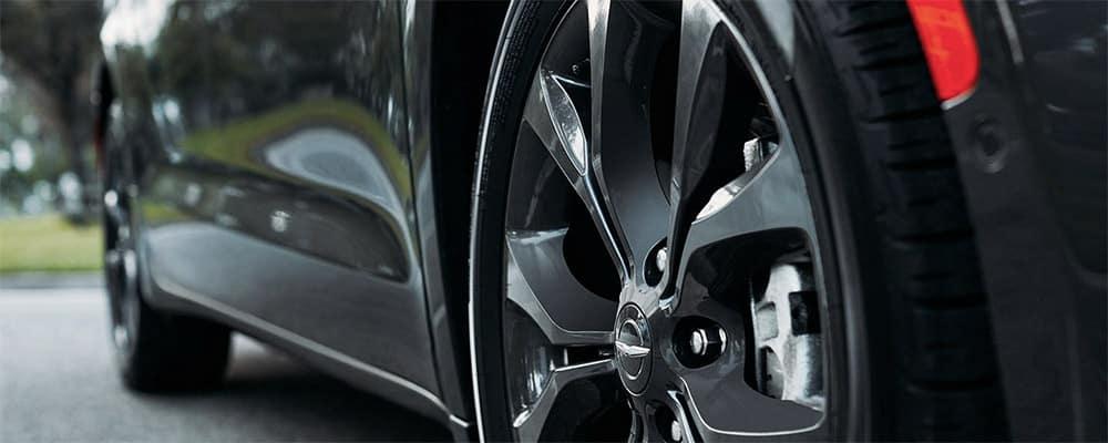 2020 Chrysler Pacifica wheels