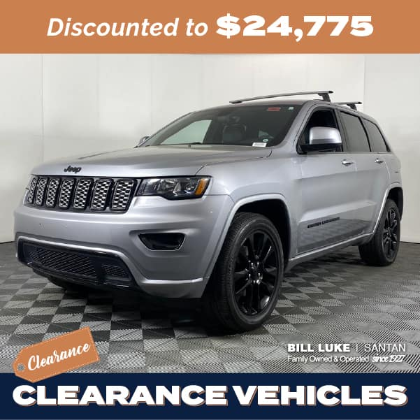 Pre-Owned 2017 Jeep Grand Cherokee Altitude 4WD 4D Sport Utility