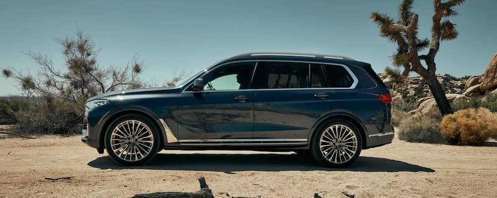 2019 bmw x7 parked in desert