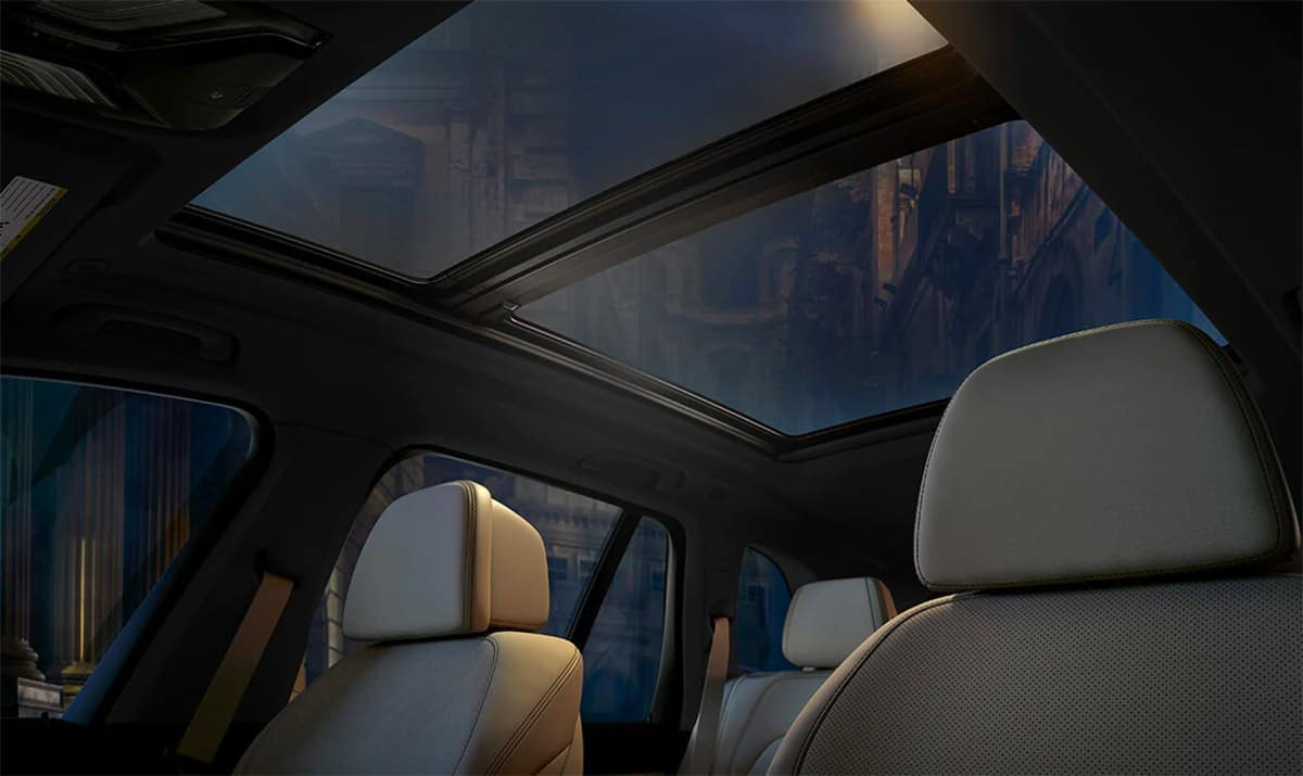 2019-BMW-X5-interior-sunroof