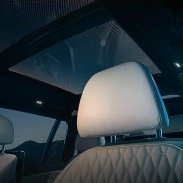 2019 BMW X7 panoramic sky lounge