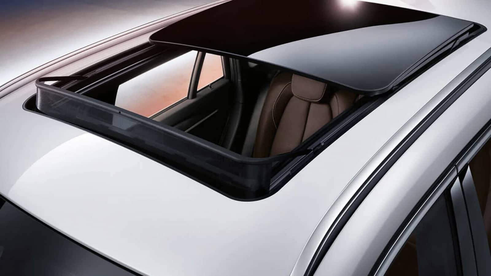 2019 BMW X1 panoramic moonroof