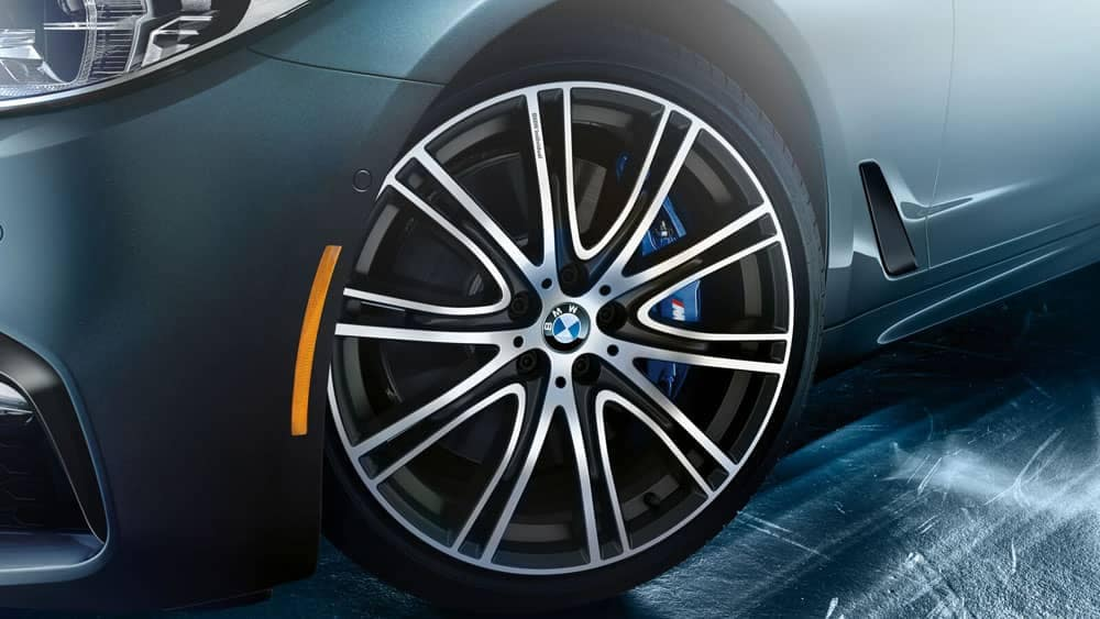 2020 BMW 5 Series Tire
