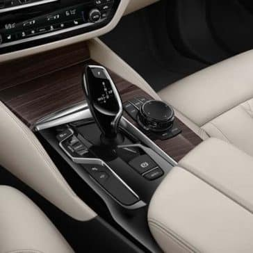 2019 BMW 5 Series front interior