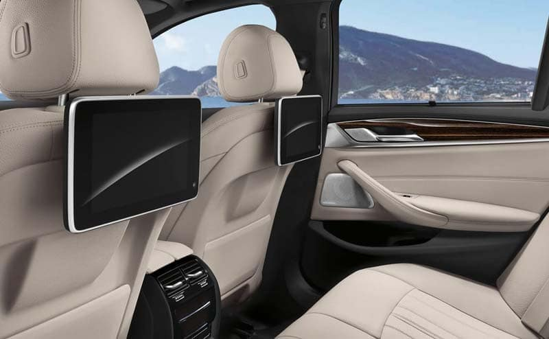 2019 BMW 5 Series entertainment features