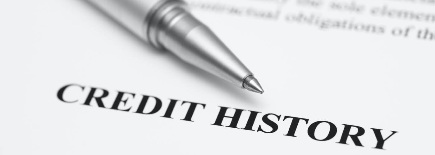 Image of pen and bad credit history