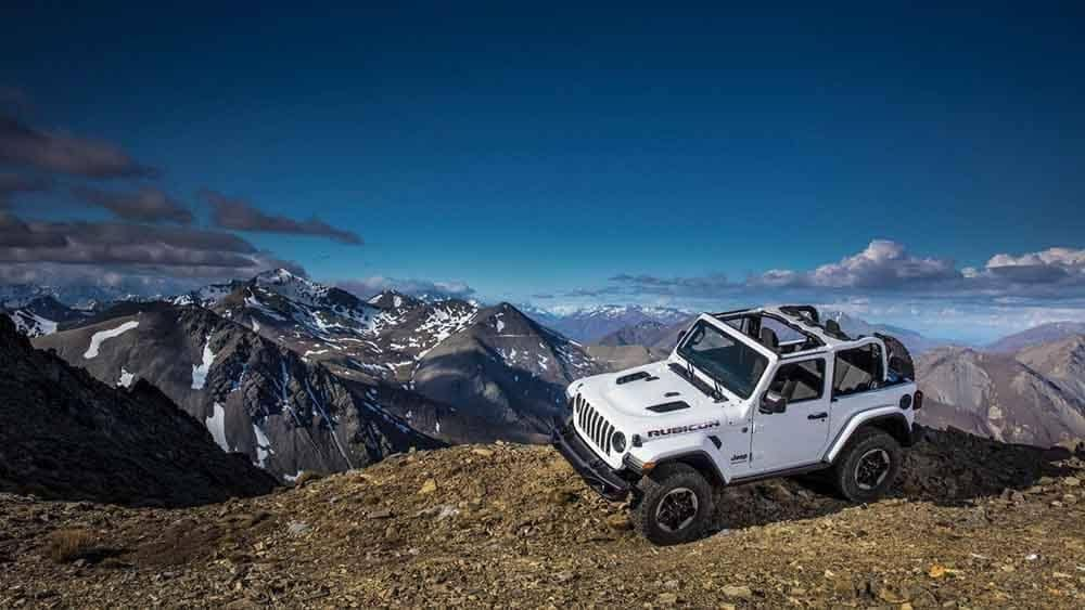 2018 Jeep Wrangler on cliff