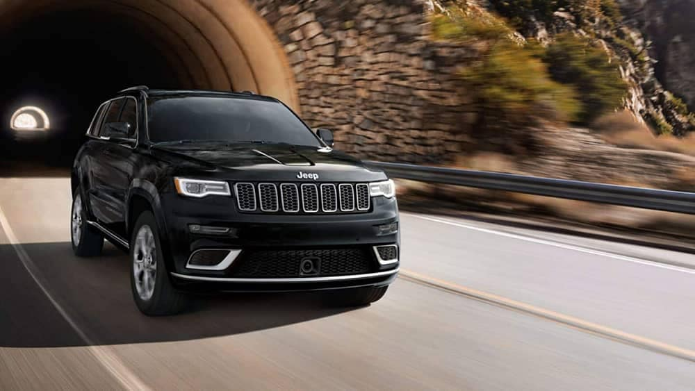 2019 Jeep Grand Cherokee Driving