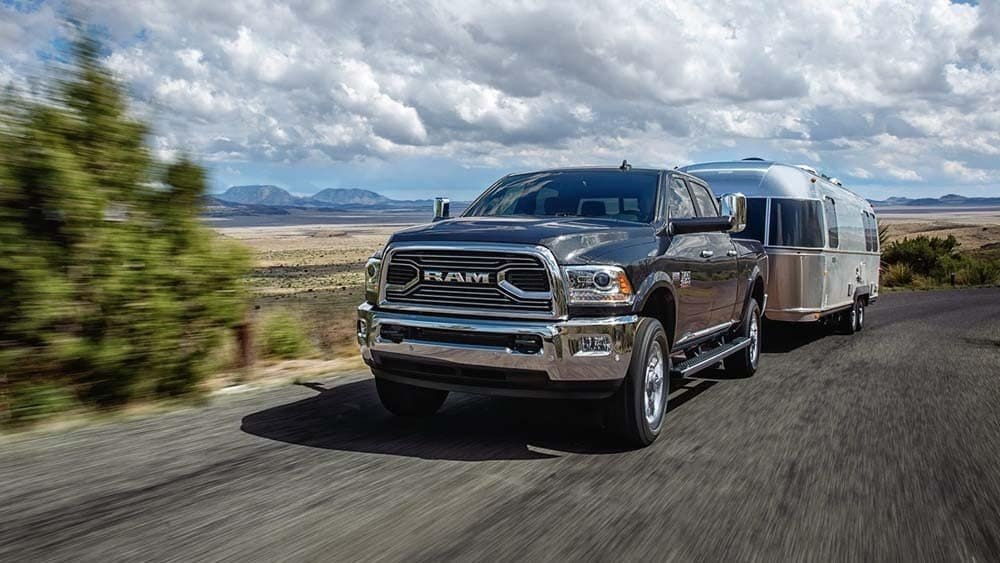 2018 RAM 2500 Limited hemi towing trailer