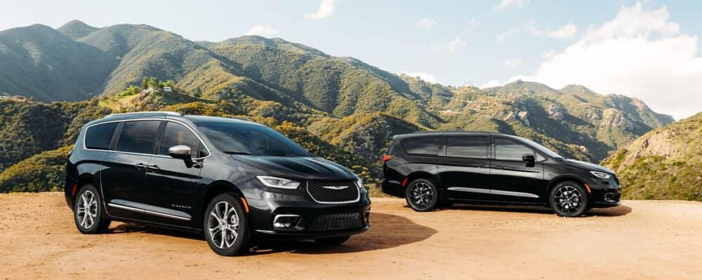 2021 Chrysler Pacifica Hybrid in black.
