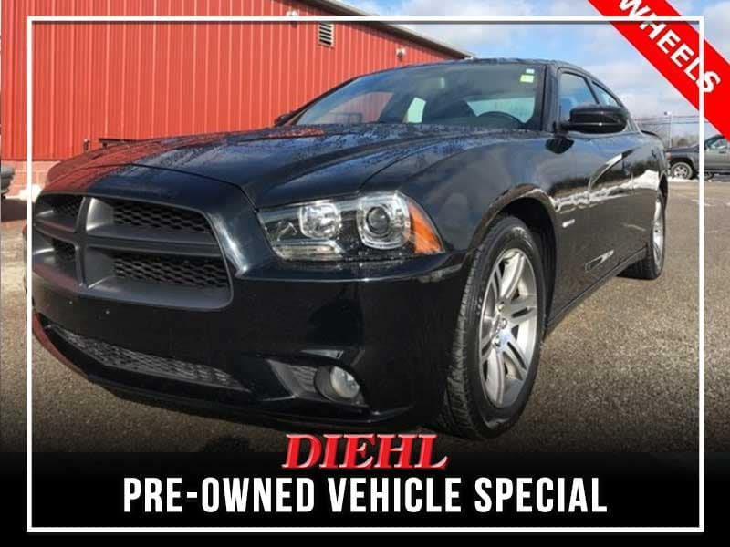 PRE-OWNED 2014 DODGE CHARGER R/T RWD 4D SEDAN