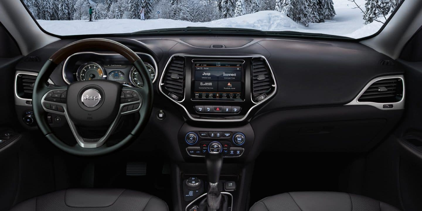 2021 jeep grand cherokee interior dash