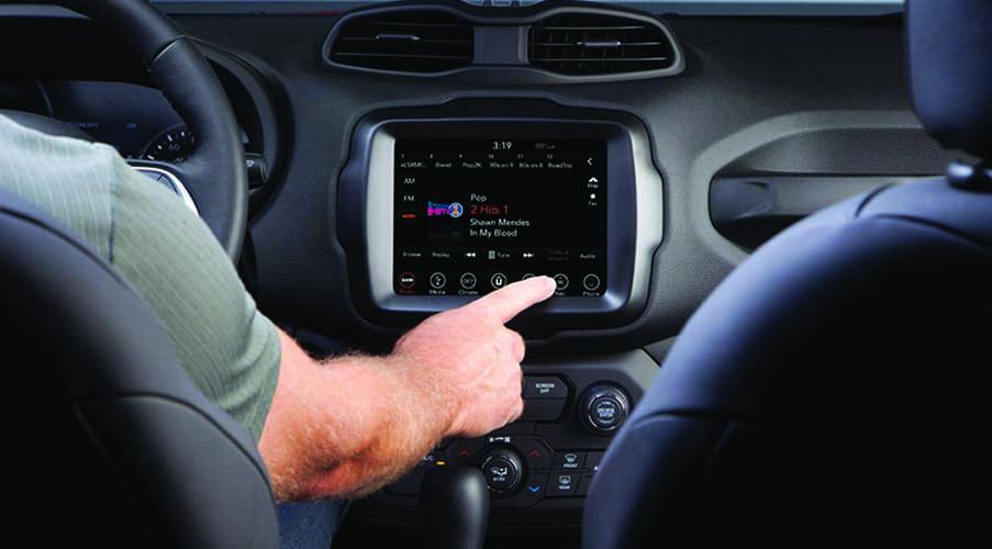2021 Jeep Renegade Interior Uconnect Entertainment Desktop