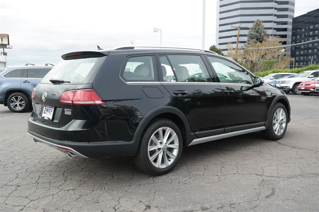 Adventure-ready 2019 VW Golf Alltrack