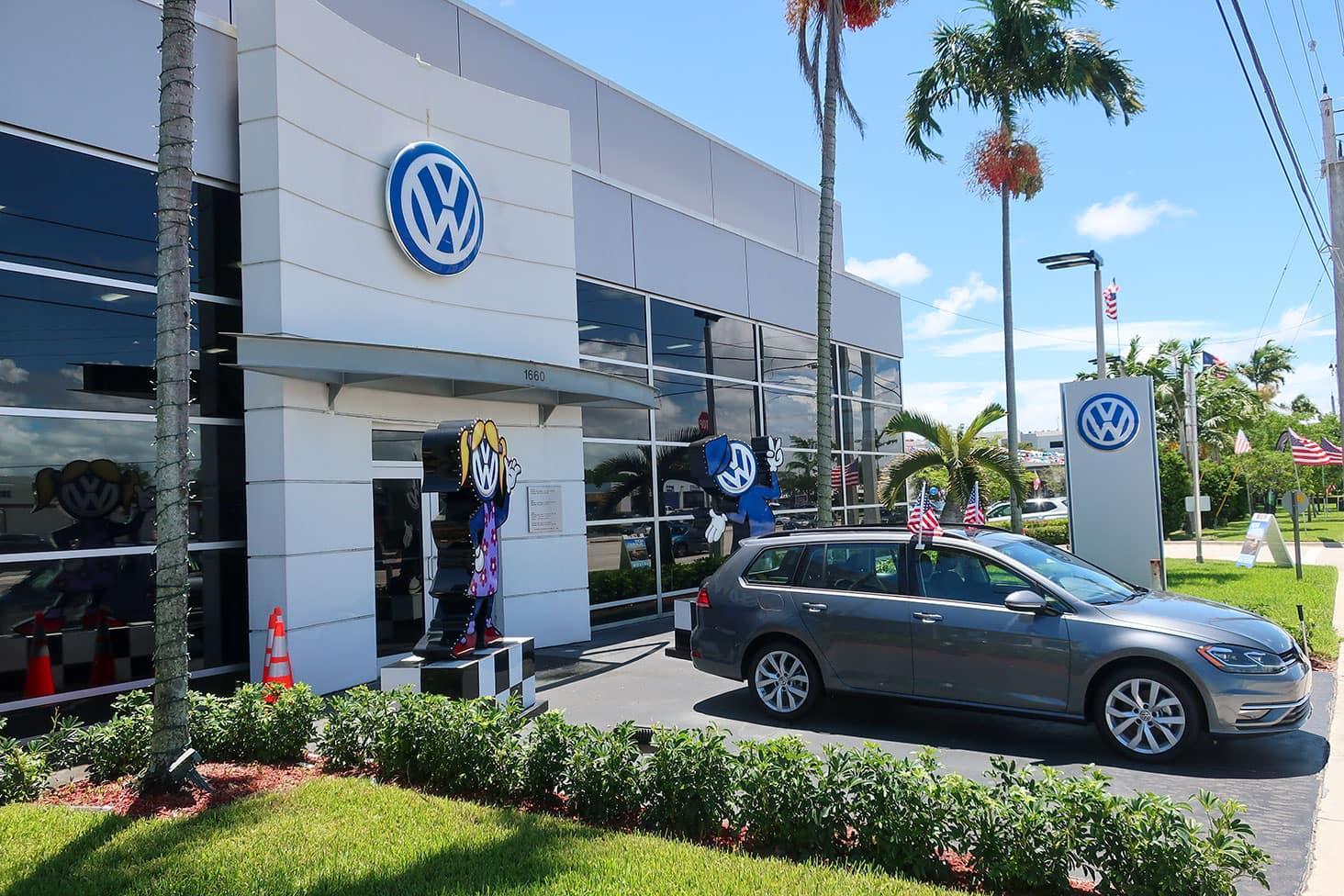 Gunther Volkswagen Fort Lauderdale exterior.