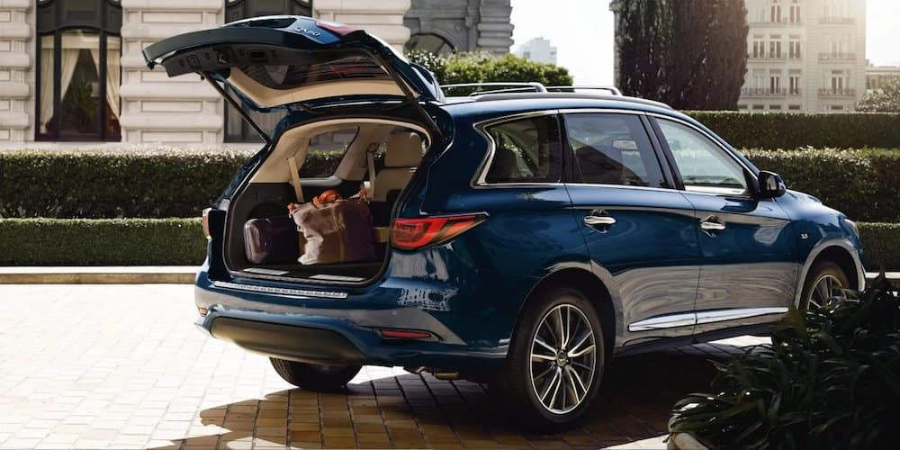 2019 qx60 parked with trunk open