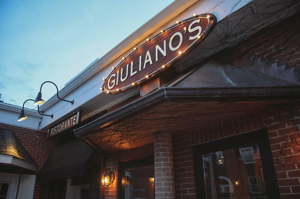 Giulianos Sign