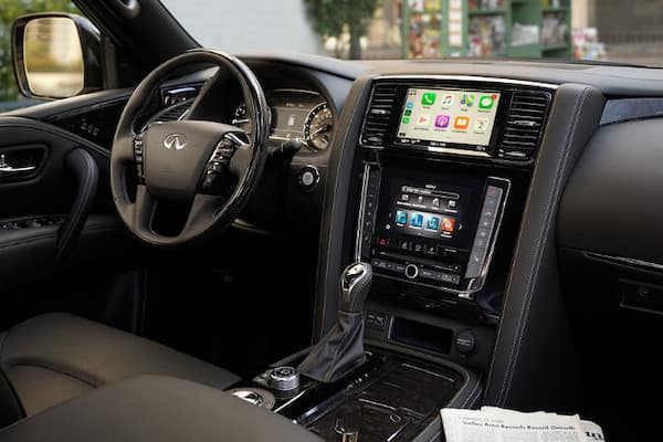 The dashboard of the 2020 INFINITI QX80
