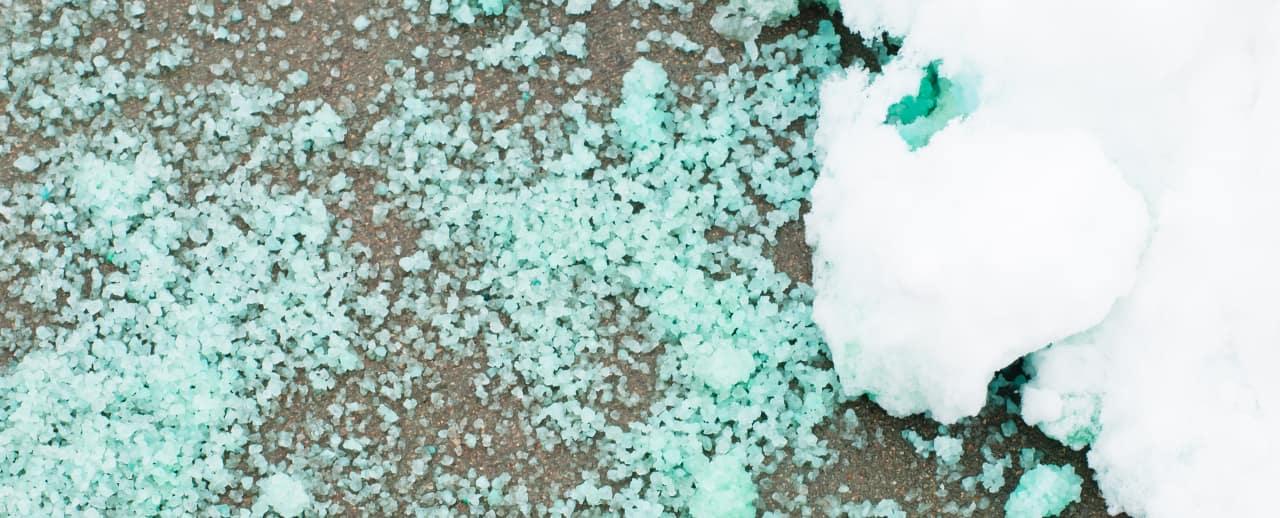 rock salt on the road