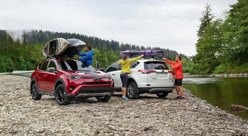 Toyota RAV4 with kayaks on the roof in Ohio