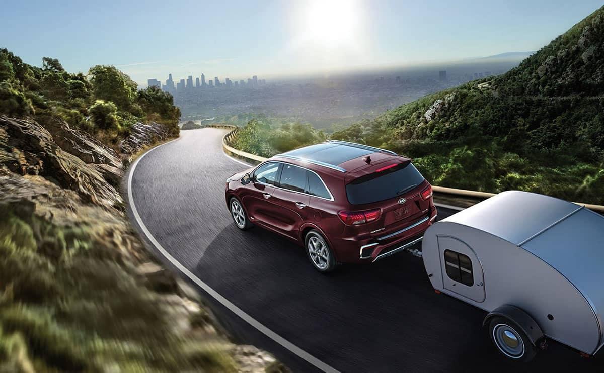 2019 Kia Sorento tows small trailer