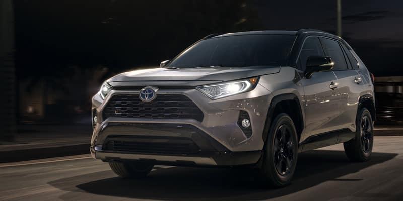 New 2019 Toyota RAV4 4D Sport Utility FWD