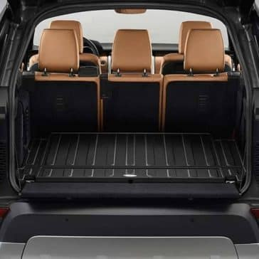 2020-Land-Rover-Discovery-Space