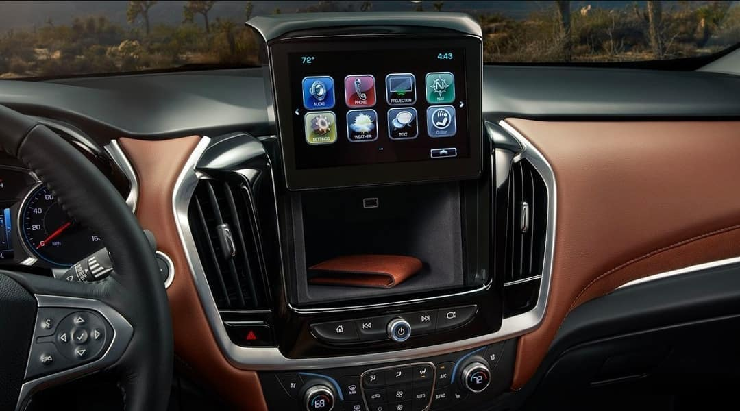2019-Chevrolet-Traverse-dashboard-storage-behind-infotainment-screen