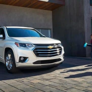 2019-Chevrolet-Traverse-parked-in-front-of-house