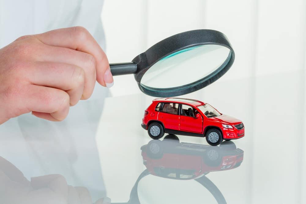 Inspecting a model car