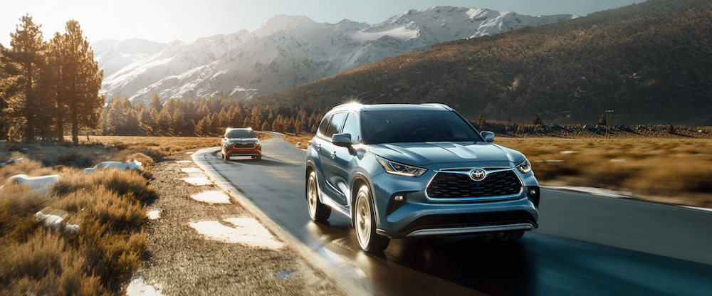 2020 Toyota Highlander configurations driving on highway