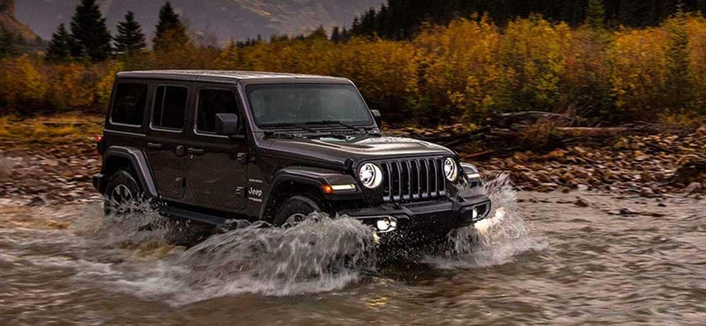 2019 Jeep Wrangler Sahara water fording in creek