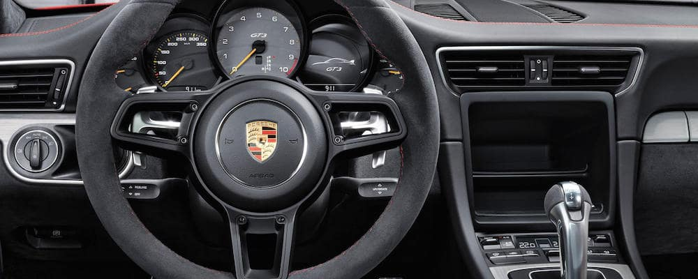 911 GTE interior with paddle shifters