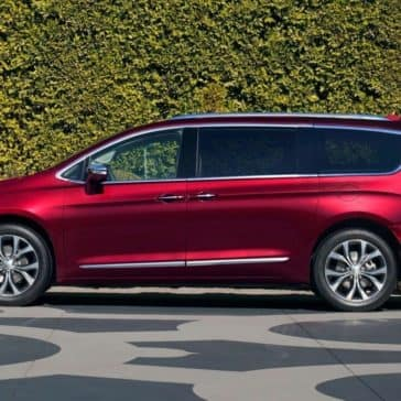 2018 Chrysler Pacifica profile view