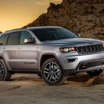 2018 Jeep Grand Cherokee trailhawk at dusk