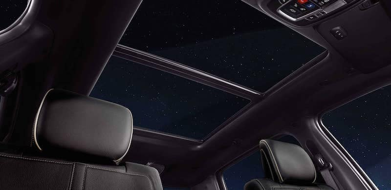 2019 RAM 1500 dual pane panoramic sunroof