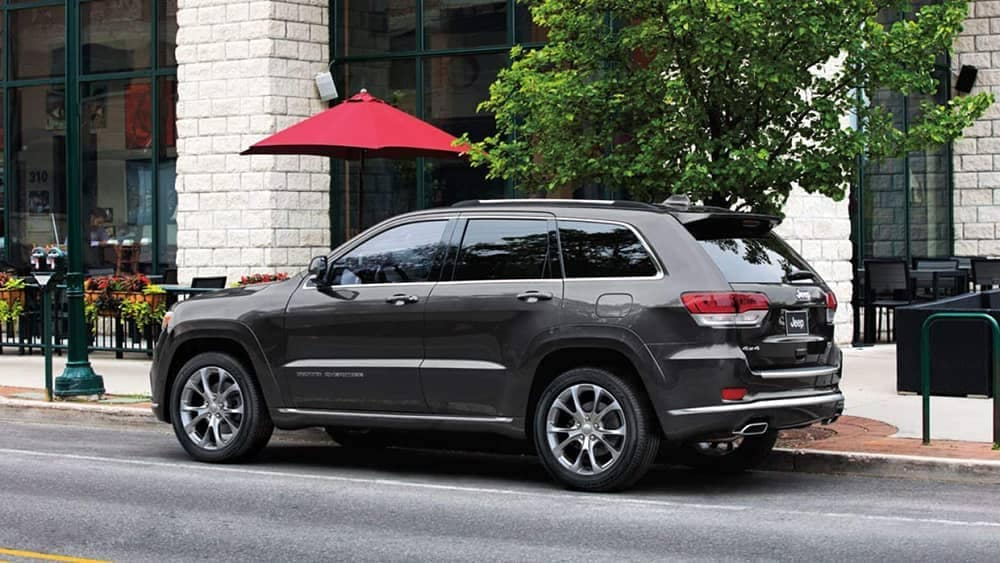 2019-Jeep-Grand-Cherokee-Exterior-Gallery-2