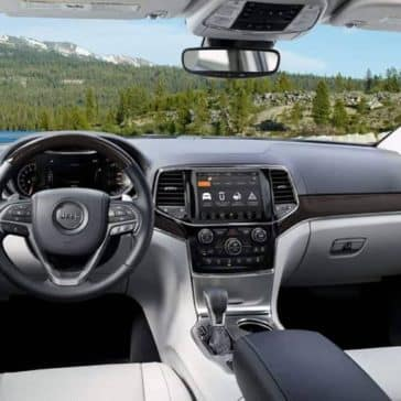 2019-Jeep-Grand-Cherokee-Interior-Gallery-6