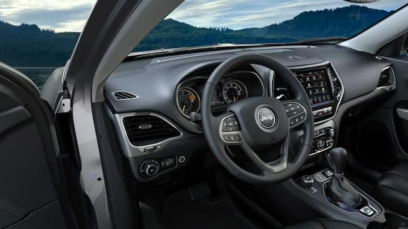 2019 Jeep Cherokee Steering Wheel and Center Console