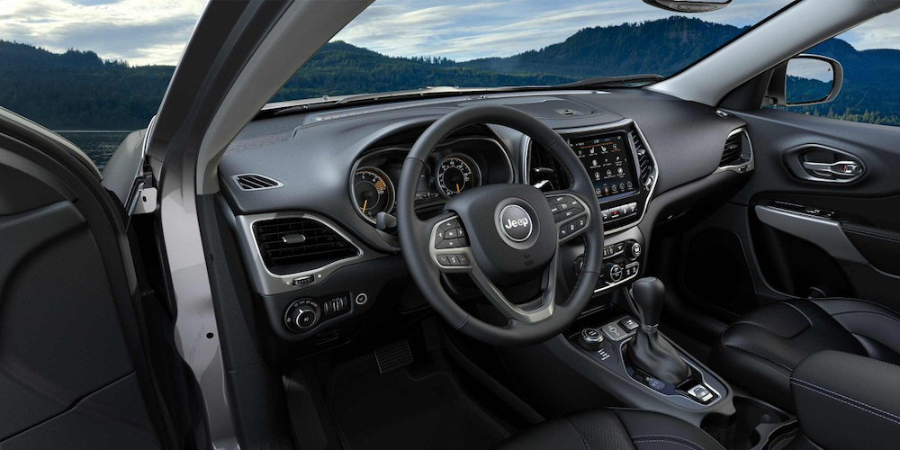 2019 Cherokee front seats