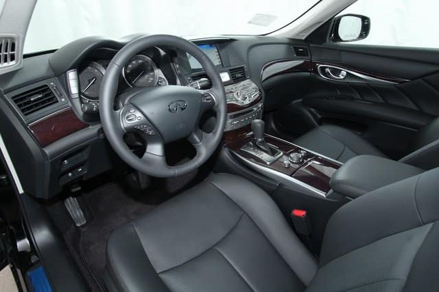 2019 INFINITI Q70 luxury sedan