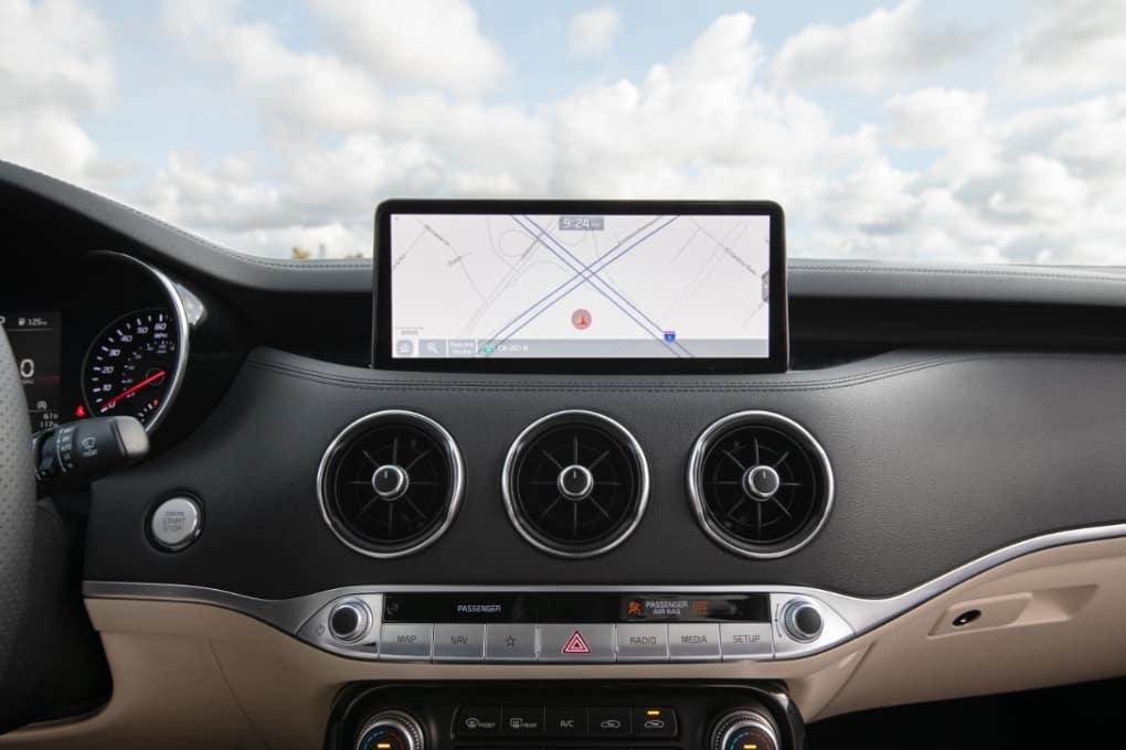2022 Kia Stinger Tech Features