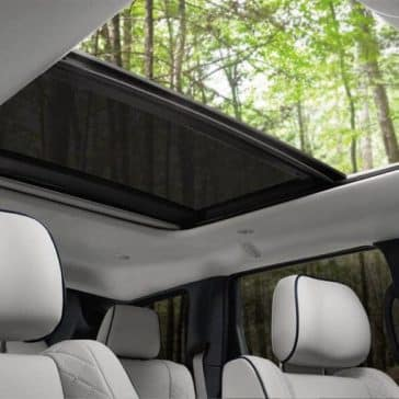 2018-Jeep-Grand-Cherokee-Summit-Dual-Pane-Sunroof