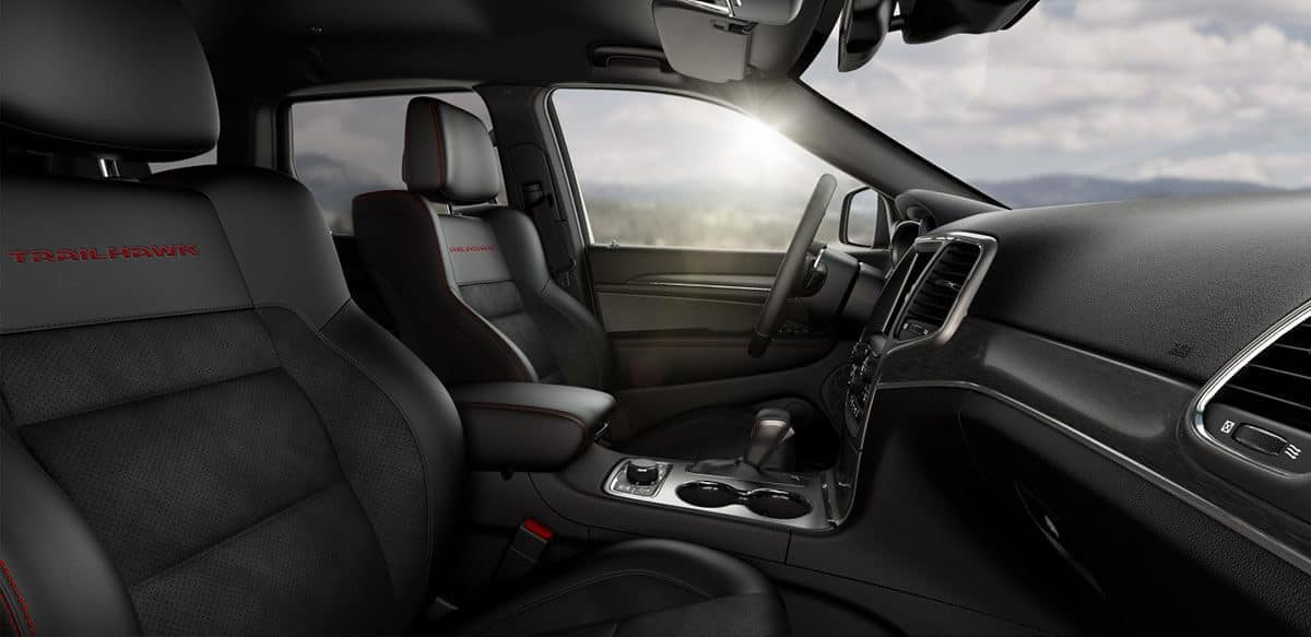 2018-Jeep-Grand-Cherokee-Trailhawk-Front-Seats