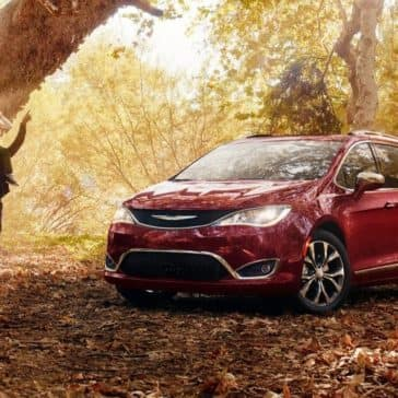 2018-Chrysler-Pacifica-Gallery-1